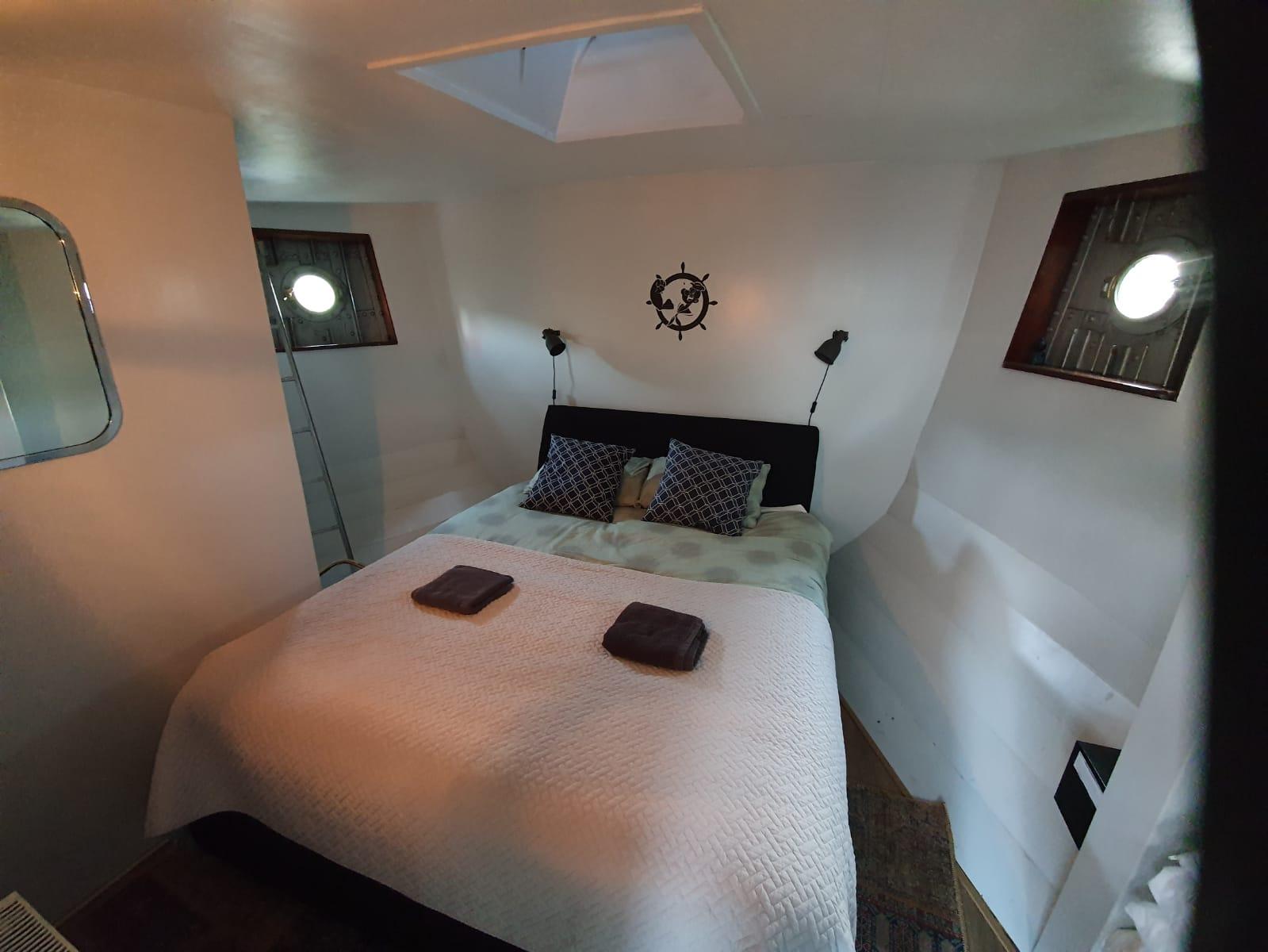 Slaapkamer Popeye's Cabin m touwladder naar dek